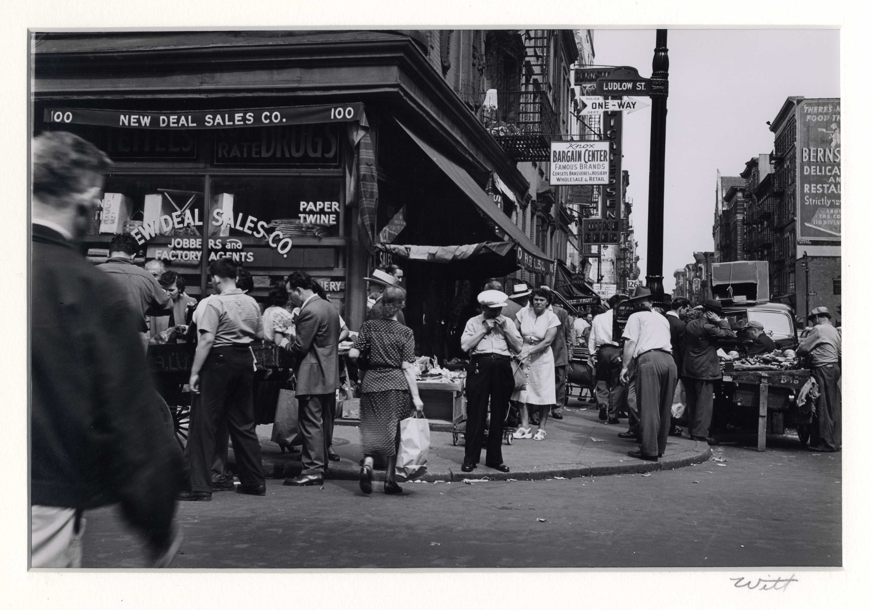 New Deal Sales, Ludlow Street, Lower East Side, New York City, 1947